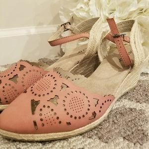 NEW Rialto Pink Espadrille sandals